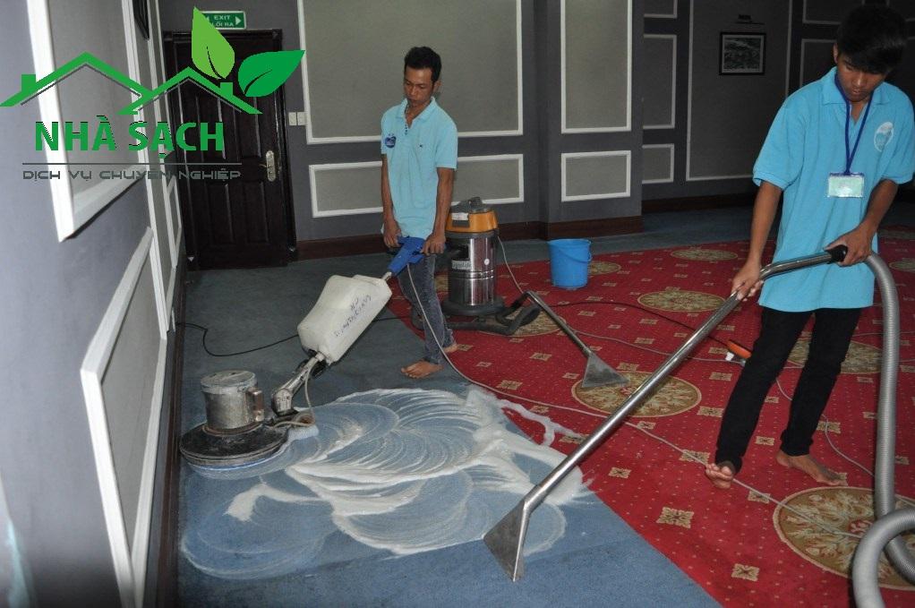 Dịch vụ giặt thảm quận 1