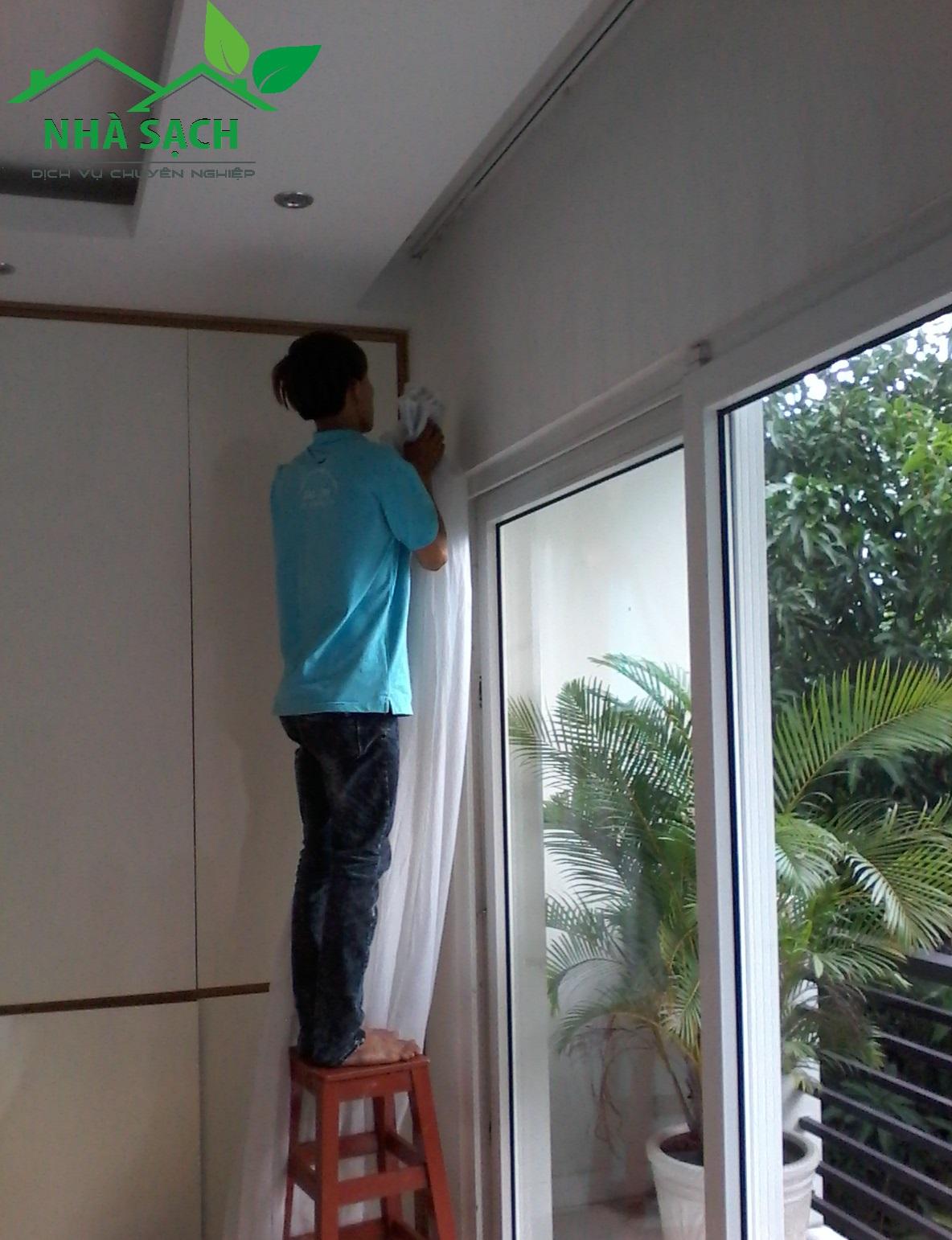 Dịch vụ vệ sinh quận Tân Phú