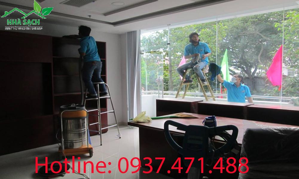 Công ty vệ sinh công nghiệp uy tín nhất tại tphcm